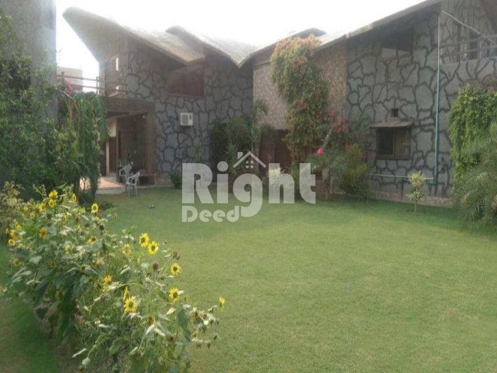 44 Marla Excellent Located Farm House Available For Sale Rajpoot Town, Lahore